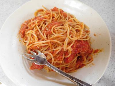 基本のトマトソースパスタ