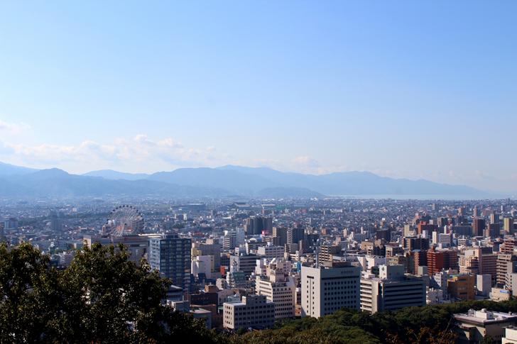 松山城頂上から見下ろした景色