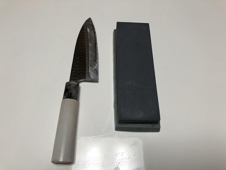 片刃包丁と砥石