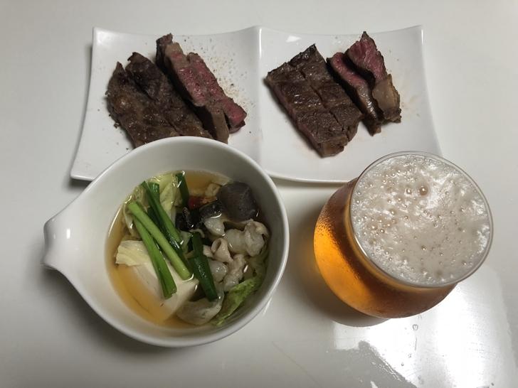 もつ鍋と肉