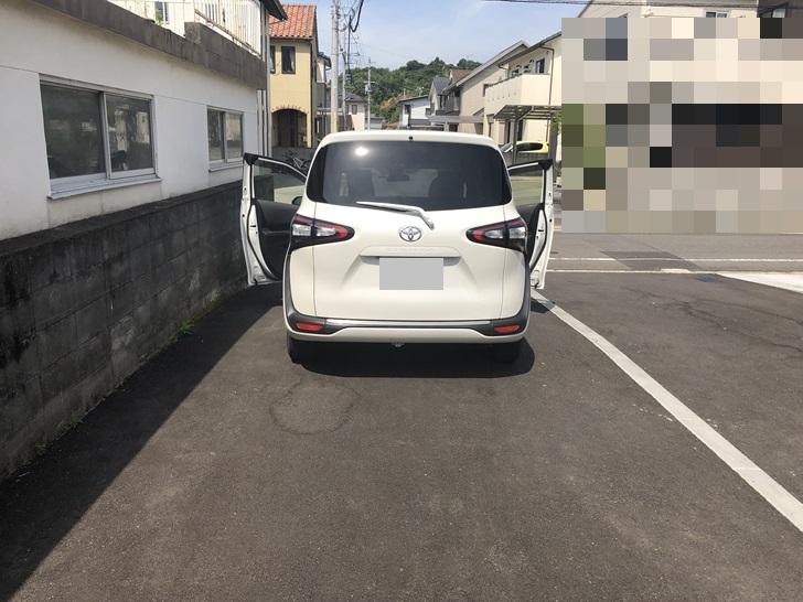 旗竿地駐車スペース